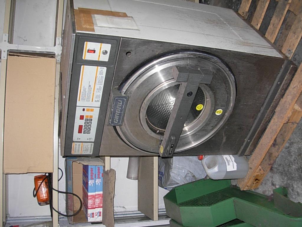 lavatrice  centrifugante.